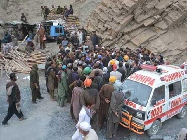 ملک میں کانوں کے حادثات میں سالانہ اوسطاً 200 ہلاکتیں ہوتی ہیں ۔ فوٹو : فائل