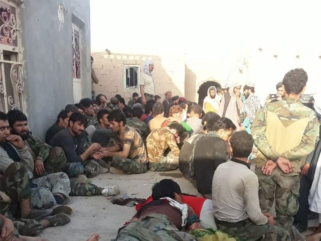 پاکستان پہنچنے والے افغان فوجیوں کو خوراک، شیلٹر اور طبی امداد فراہم کی گئی، آئی ایس پی آر فوٹو:فائل