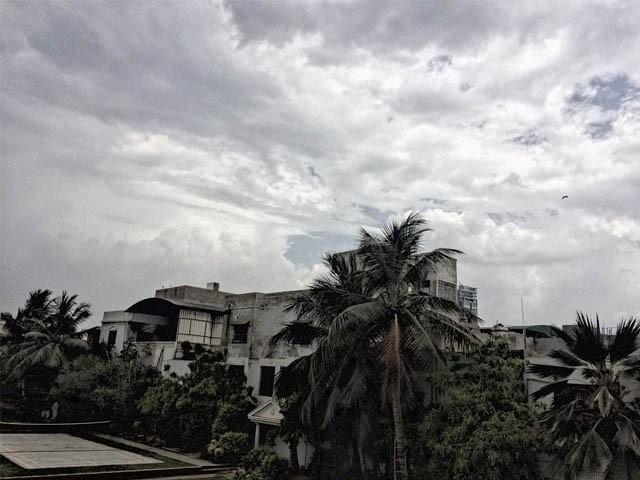اگست کے پہلے ہفتے تک شہر میں کسی نئے مون سون سلسلے کی توقع نہیں، چیف میٹرولوجسٹ کراچی  . فوٹو : فائل
