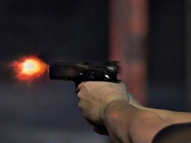 ملزم فرار، اسلام آباد میں وکیل ہے، پولیس نے قتل کی وجہ گھریلو تنازع کو قرار دیا ہے (فوٹو:فائل)