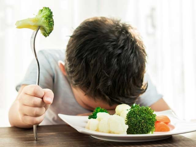 بچوں کے غذائی مسائل میں ماؤں کی غفلت کو بھی دوش ہے۔۔۔فوٹو:فائل