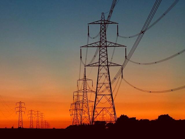 بلوچستان میں بجلی کی لوڈشیڈنگ کے مسئلے پر جلد قابوپالیں گے، حماد اظہر