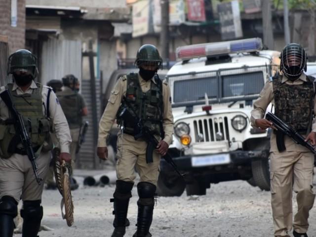 بھارتی فوج نے ضلع پلواما میں نام نہاد سرچ آپریشن کے دوران نوجوانوں کو شہید کیا، کشمیر میڈیا سروس۔ فوٹو : فائل