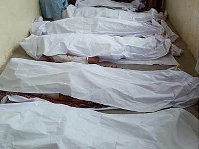 مرنے والوں کی شناخت فدا بوہڑ، ابراہیم بوہڑ، صمد بوہڑ اور حبدار چانڈیو سے ہوئی : فوٹو: فائل