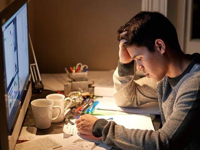 ماہرین کا خیال ہے کہ تدریس کےدوران 30 سے 60 منٹ کا وقفہ یادداشت پر اچھے اثرات مرتب کرتا ہے۔ فوٹو: فائل