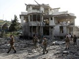 طالبان کے خودکش حملہ آور نے بارود سے بھری گاڑی وزیر دفاع کے گھر سے ٹکرا کر اڑادی