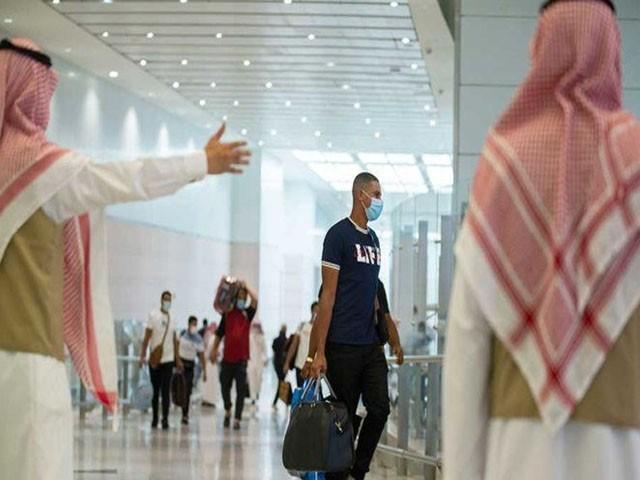 سعودی عرب نے سیاحوں کے لیے فضائی آپریشن کا آغاز کردیا ہے، فوٹو: فائل