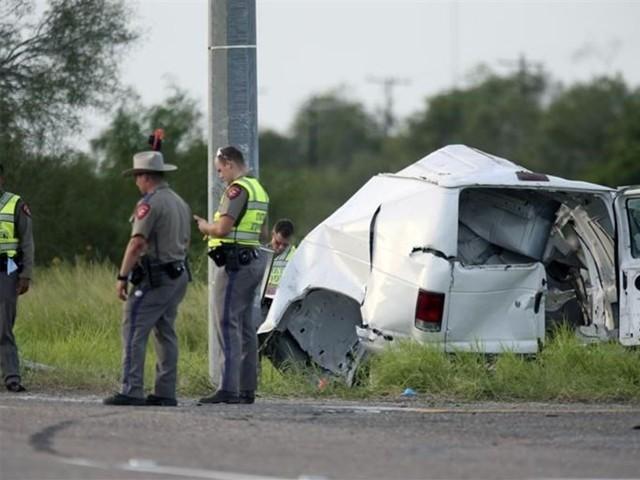 حادثہ تیز رفتاری اور گنجائش سے زیادہ مسافروں کے سوار ہونے کے باعث پیش آیا، ٹیکساس پولیس