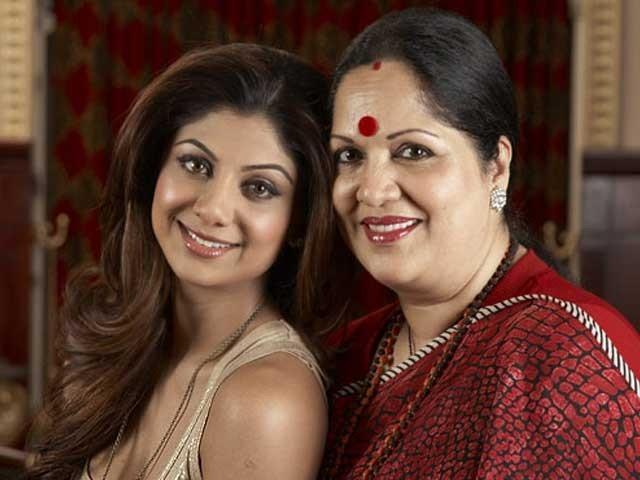 اداکارہ اور ان کی والدہ کو نوٹسز جاری کر دیے، جلد پولیس ٹیم ممبئی پہنچ کر دونوں سے تفتیش کرے گی (فائل فوٹو)