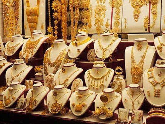 فی تولہ سونے کی قیمت بڑھ کر 112300 روپے ہوگئی.  فوٹو:فائل