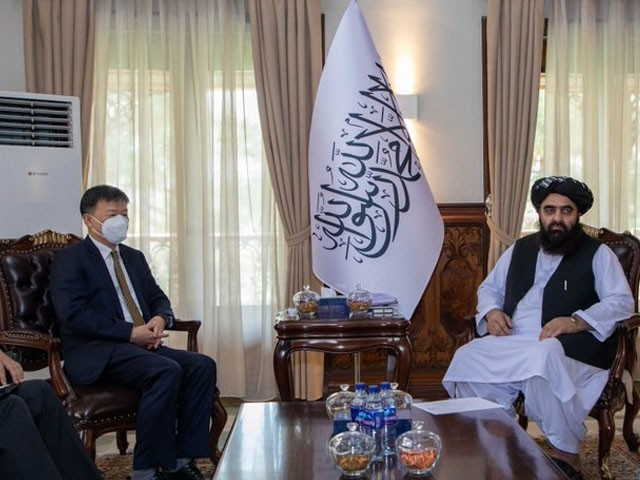 چین کے خصوصی ایلچی برائے افغانستان نے طالبان کے وزیر خارجہ سے ملاقات کی، فوٹو: ترجمان طالبان