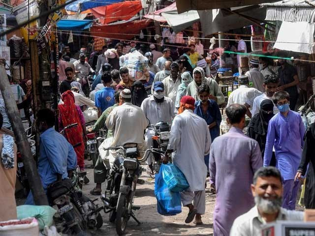 انڈور ڈائننگ رات 12 بجے تک کھلی رہے گی، محکمہ داخلہ سندھ فوٹو: فائل