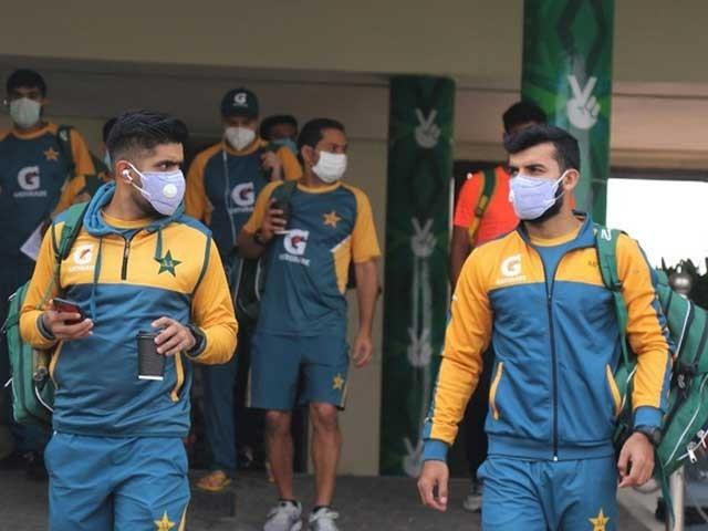 پاکستان اور نیوزی لینڈ کے مابین 3 میچز پر مشتمل ون ڈے سیریز کھیلی جارہی ہے فوٹو: فائل