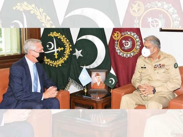 عالمی برادری افغانستان کو تنہا نہیں چھوڑے معاشی امداد کی اشد ضرورت ہے، صدر۔ فوٹو: آئی ایس پی آر