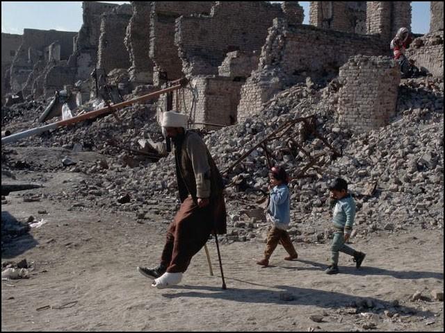 جوبائیڈن نے اپنی تقریر میں ایک بار بھی ان لاکھوں افغانیوں کا ذکر نہیں کیا جو امریکی اور نیٹو افواج کے ہاتھوں قتل اور معذور ہوئے۔ (فوٹو: انٹرنیٹ)