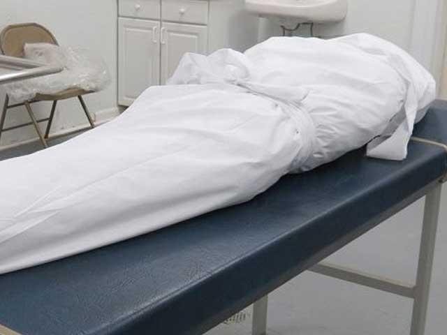 ڈاکو دوران علاج ہلاک جب کہ شہری زخموں کی تاب نہ لاتے ہوئے چل بسا ۔  فوٹو:فائل