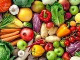 ورزش کیجئے، پھل اور سبزیاں کھائیے اور خوش رہیں۔ فوٹو: فائل
