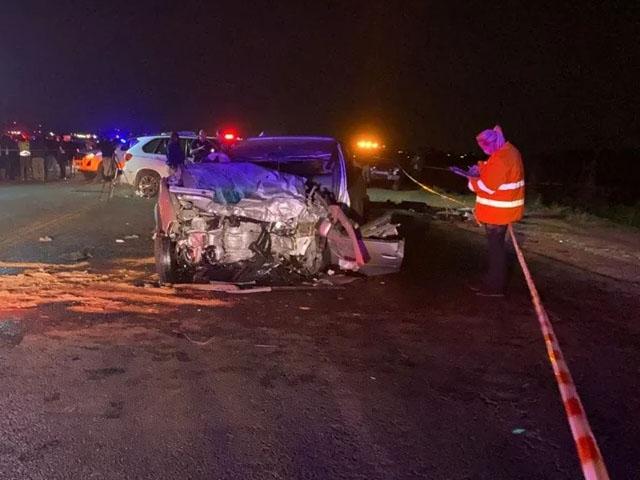 جوہانسبرگ کے میئر راہگیر کو بچانے کی کوشش میں کار حادثے میں ہلاک thumbnail