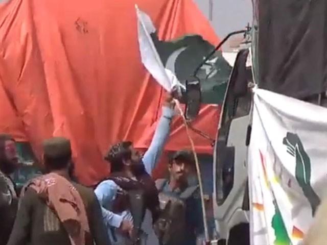 گرفتار طالبان اہلکار کو سزا دیں گے،ذبیح اللہ مجاہد  ( فوٹو: ویڈیو گریب