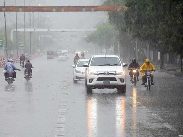 پیر سے مون سون ہوائیں شدت کے ساتھ سندھ میں داخل ہوں گی جو 2 اکتوبر تک وقفے وقفے سے بارش کا باعث بنیں گی - فوٹو:فائل