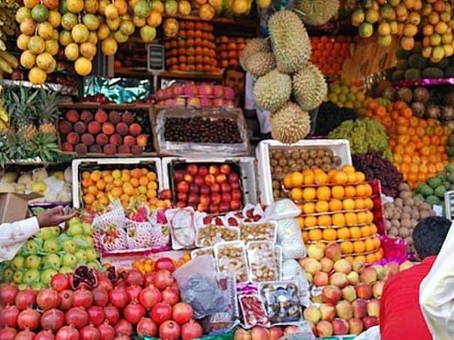 صدارتی آرڈیننس میں غلطی سے افغانستان سے تمام تازہ پھلوں کی درآمد پر سیلز ٹیکس عائد ہوگیا تھا ، ایف بی آر حکام فوٹو: فائل