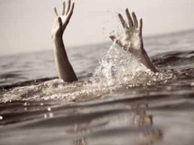 سیلفی بناتے ہوئے بیوی نہر میں گر گئی جسے بچانے کےلئے شوہر نے بھی چھلانگ لگا دی، عینی شاہدین۔ فوٹو:فائل