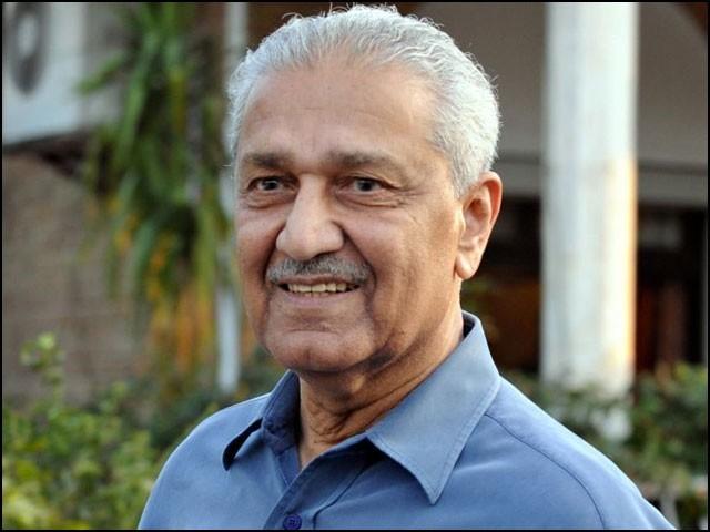ڈاکٹر عبدالقدیر خان پاکستان کے محسن اور عوام کے ہیرو تھے۔ (فوٹو: فائل)