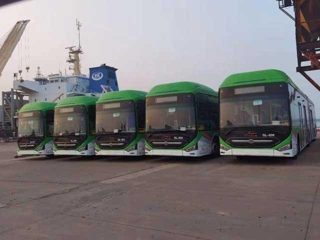 کراچی میں گرین لاین بس سروس کا آغاز آئندہ ماہ سے ہو جائے گا - فوٹو:فائل