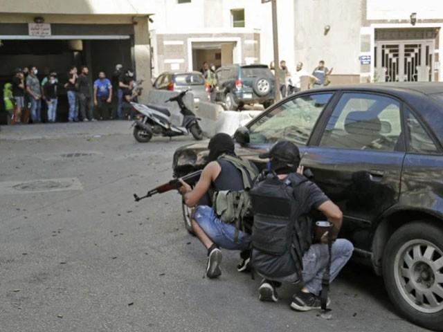 لبنانی وزیر اعظم نجیب میکاتی کا امن کی بحالی اور پُر تشدد کارروائیوں میں ملوث افراد کے خلاف سخت کارروائی کا حکم۔(فوٹو: اے ایف پی)