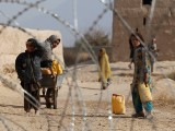 افغانستان میں معاشی بدحالی کی وجہ سے صورت حال بدترین ہوتی جا رہی ہے، بچے مر رہے ہیں اورعوام فاقہ کشی کرنے پر مجبور ہے۔(فوٹو: انٹرنیٹ)